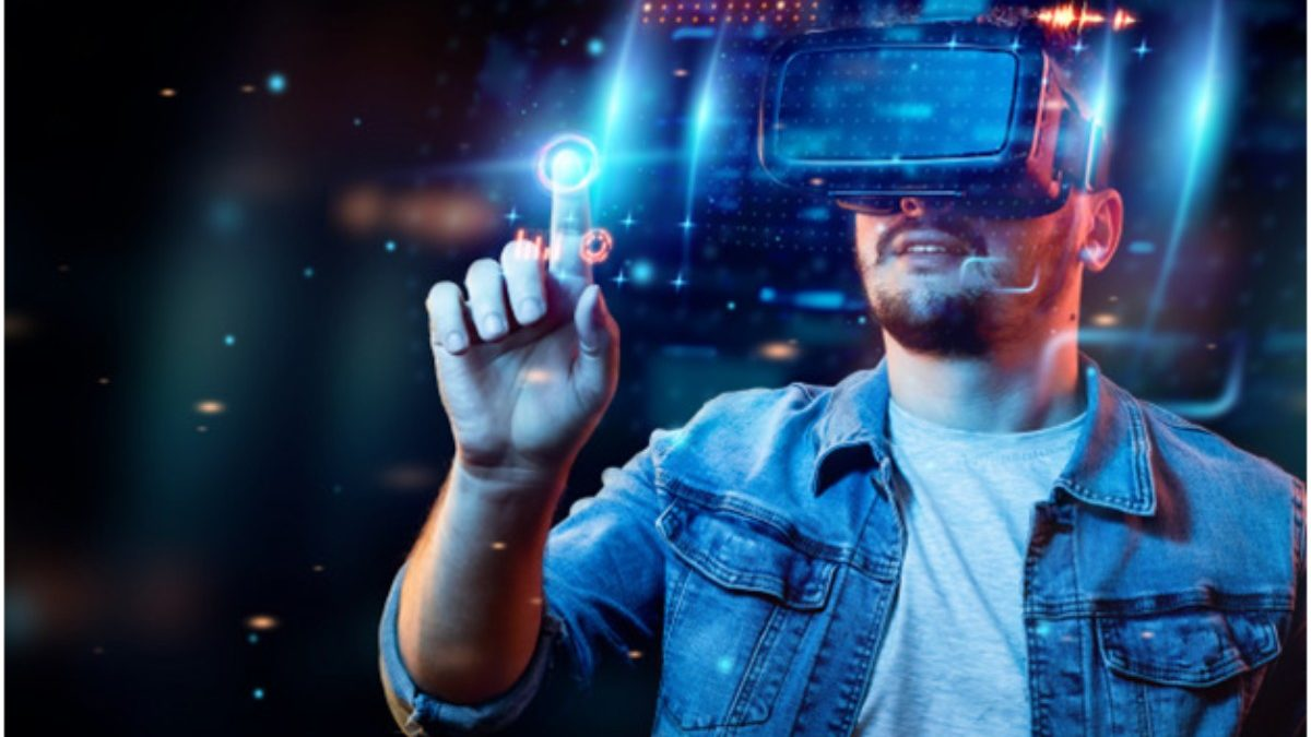AR or VR:What's Better for Your Company?