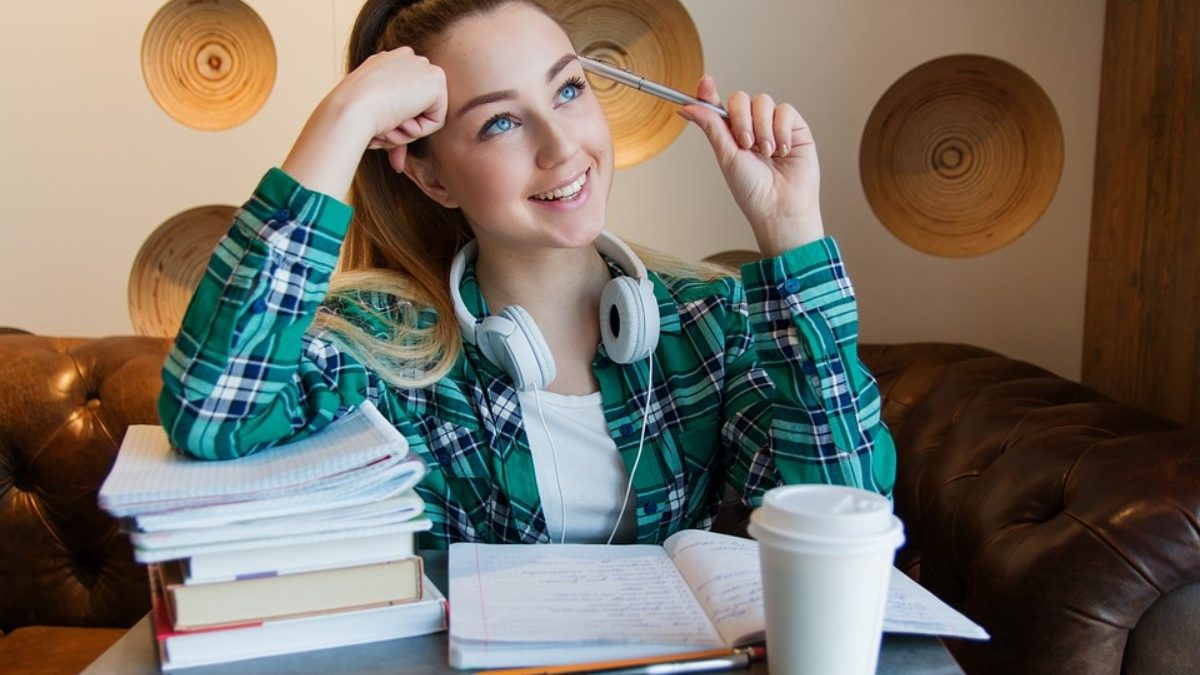 Low-Cost Business Ideas For College Students